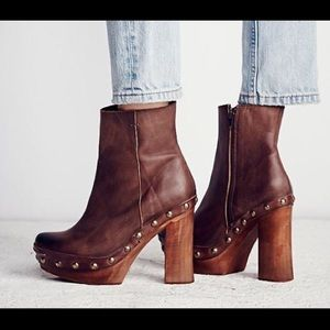 Beautiful free people wooden studded platform!